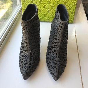 NWT Gianni Bini Gray Studded Boots Grayson Sz 7.5
